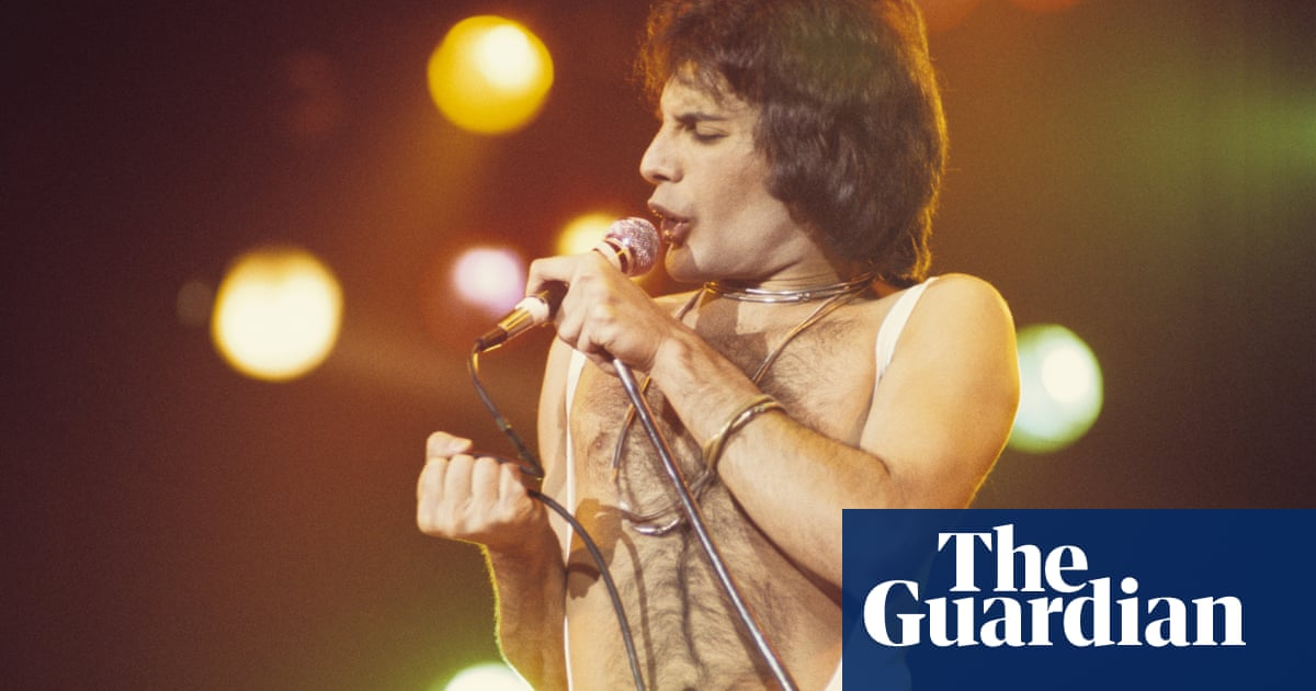 Queen's Bohemian Rhapsody becomes most streamed song from