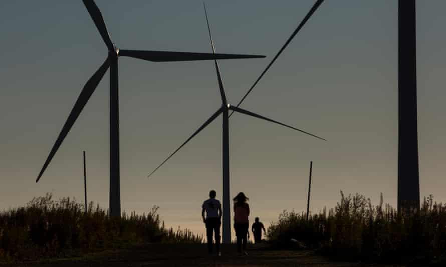 Whitelee windfarm on Eaglesham Moor in Scotland is the UK's largest onshore windfarm.