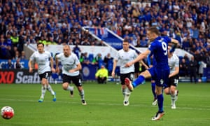 Leicester City's Jamie Vardy scores his side's third goal of the game from the penalty spot.