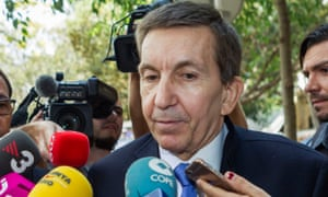 Spain's top anti-corruption prosecutor, Manuel Moix, has resigned.