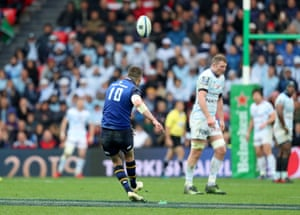 Leinster's Jonathan Sexton misses a penalty.