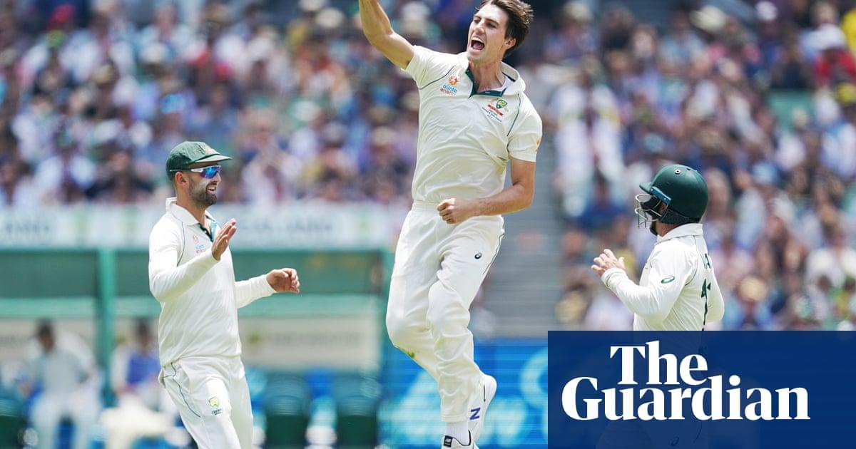 Pat Cummins takes five before Australia build huge lead over New Zealand