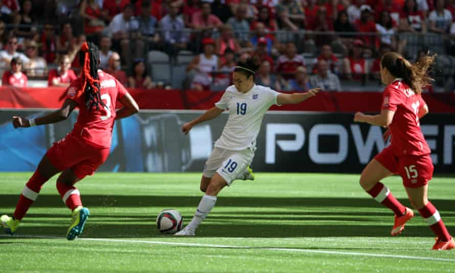 England's Jodie Taylor (centre) scores against Canada in their 2015 Women's World Cup quarter-final at BC Place Stadium in Vancouver.