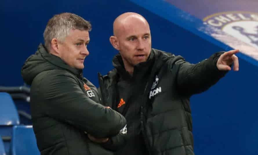 Nicky Butt pictured with Manchester United's manager, Ole Gunnar Solskjær, at Chelsea last month.