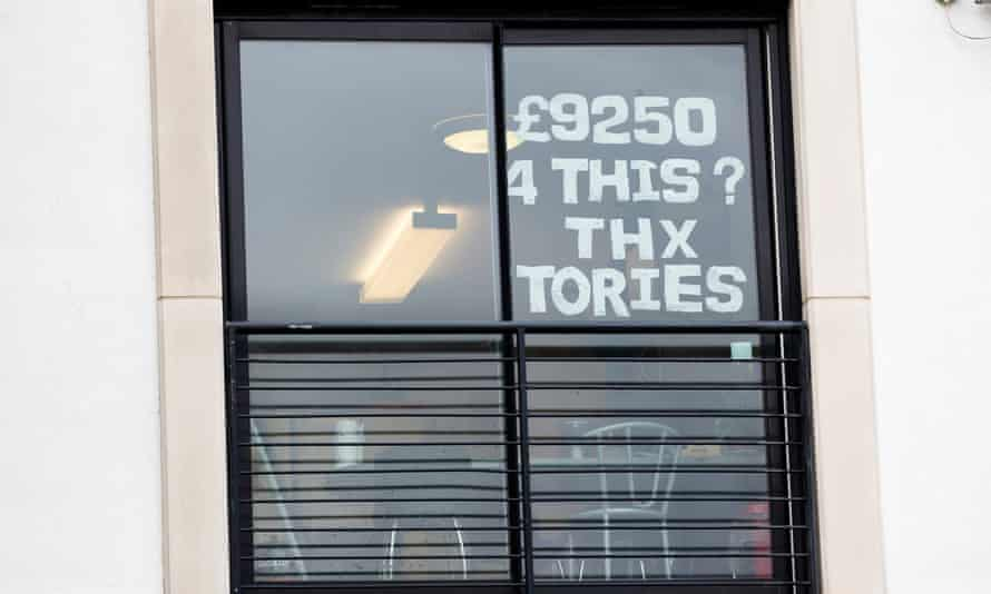 Sign in student accommodation window saying; £9250 4 this? Thx Tories