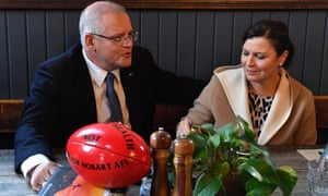 Scott Morrison and wife Jenny try to thaw out at a cafe in Burnie, Tasmania