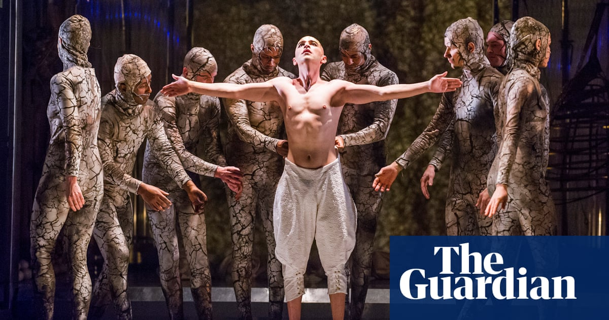 Behold, the naked Pharaoh: singing Philip Glass's Akhnaten ...