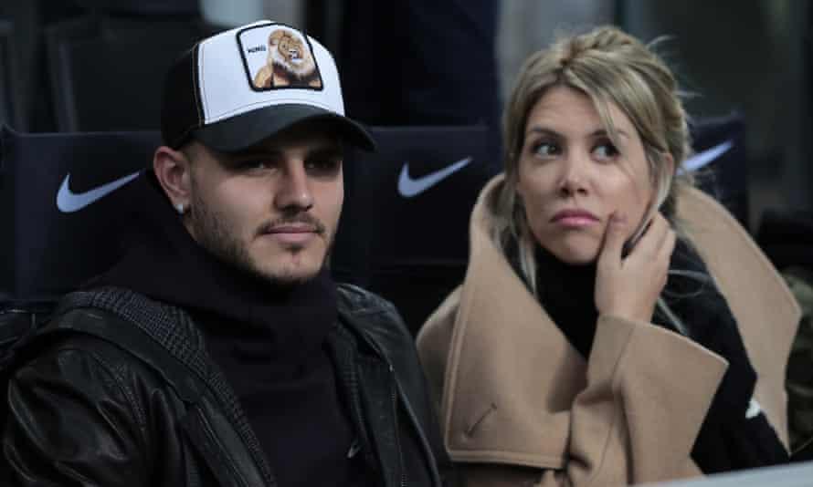 Mauro and Wanda Icardi watch Inter's win over Sampdoria from the San Siro stands.