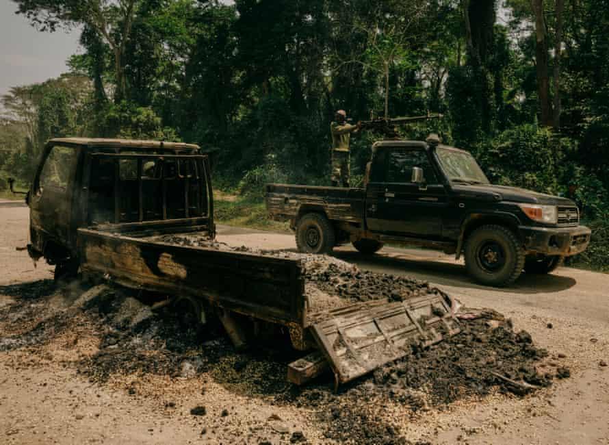 FARDC units secure the site of an ADF ambush on the Beni-Kasindi highway