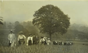 The Geologists' Association was an early supporter of women's involvement in science, admitting female members from the outset. Photo of Leith Hill excursion, 1912.