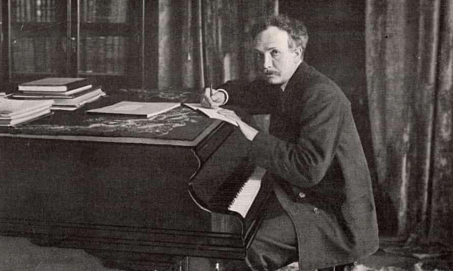 Richard Strauss at the piano.