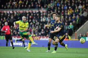 Pukki scores the opener for Norwich.