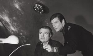 Shane Rimmer with James Bond actor Roger Moore on the set of 1977's The Spy Who Loved Me.