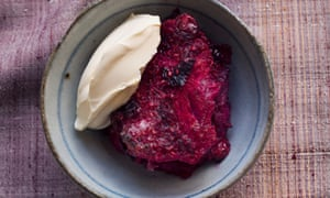 Hot summer pudding with sloe gin