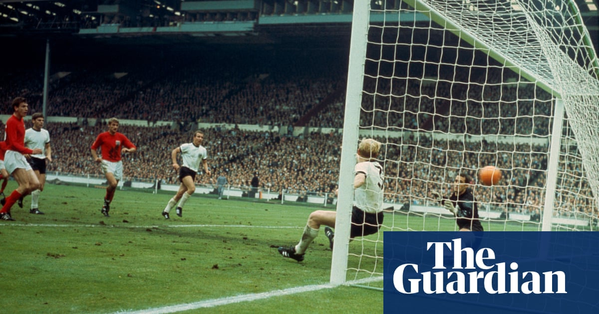 Martin Peters was an elegant, stealthy guide to England's day of days   Richard Williams