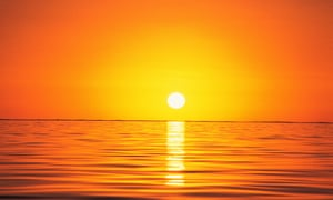 Scenic sunset over the ocean.