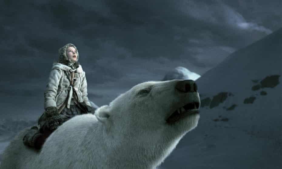 THE GOLDEN COMPASSDakota Blue Richards straddles a polar bear in a still from the film His Dark Materials; The Golden Compass (2007)