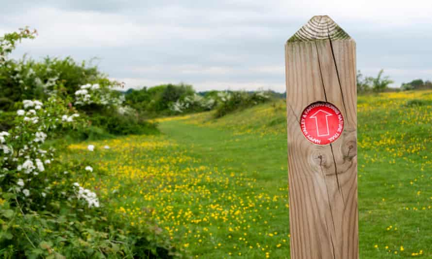 A waymarker post for the Happy valley and Farthing Downs nature trail.