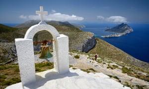 a small church along the historic hiking trail near the Hozoviotissa monastery on Amorgos.