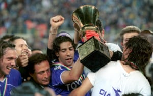 Rui Costa celebrates at the Stadio Artemio Franchi after Fiorentina's victory over Parma in the final.
