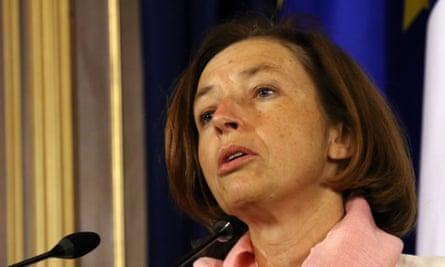 Menteri pertahanan Prancis, Florence Parly, mengatakan petugas itu menghadapi proses hukum.