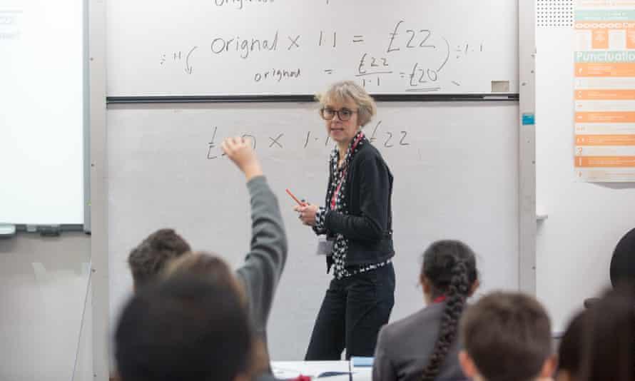 Lucy Kellaway teaching economics.