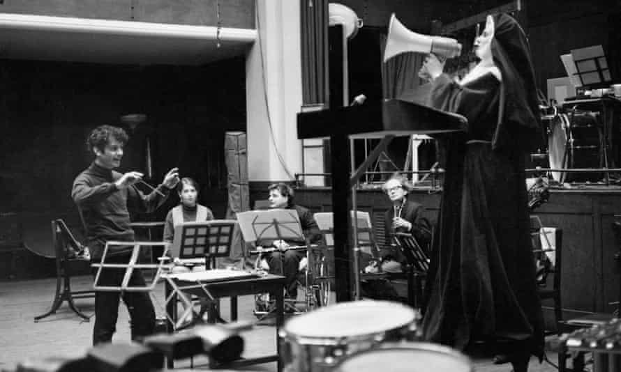 Peter Maxwell Davies conducting the Welsh soprano Mary Thomas in a rehearsal of his experimental piece Revelation and Fall in 1968
