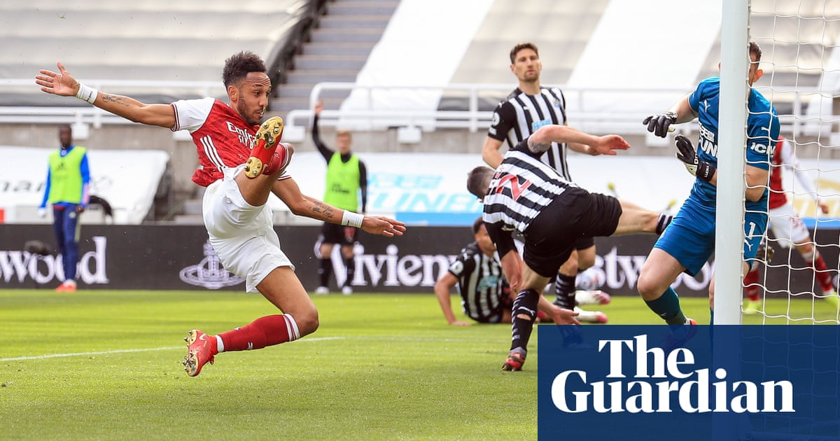 Aubameyang back on target as Arsenal ease to win at Newcastle