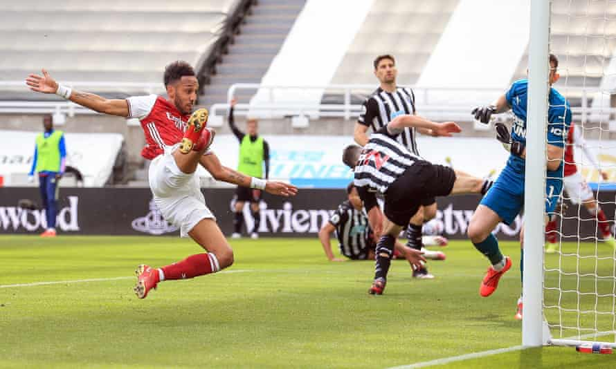 Pierre-Emerick Aubameyang scores Arsenal's second goal at Newcastle, volleying in after a fine cross from Gabriel Martinelli