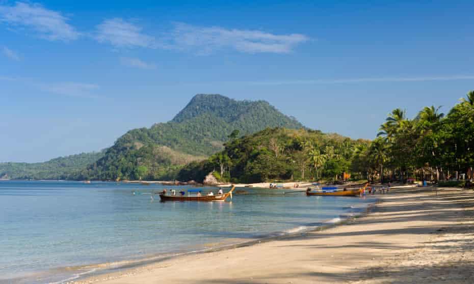 Sandy beach, Golden Pearl Beach, Ko Jum