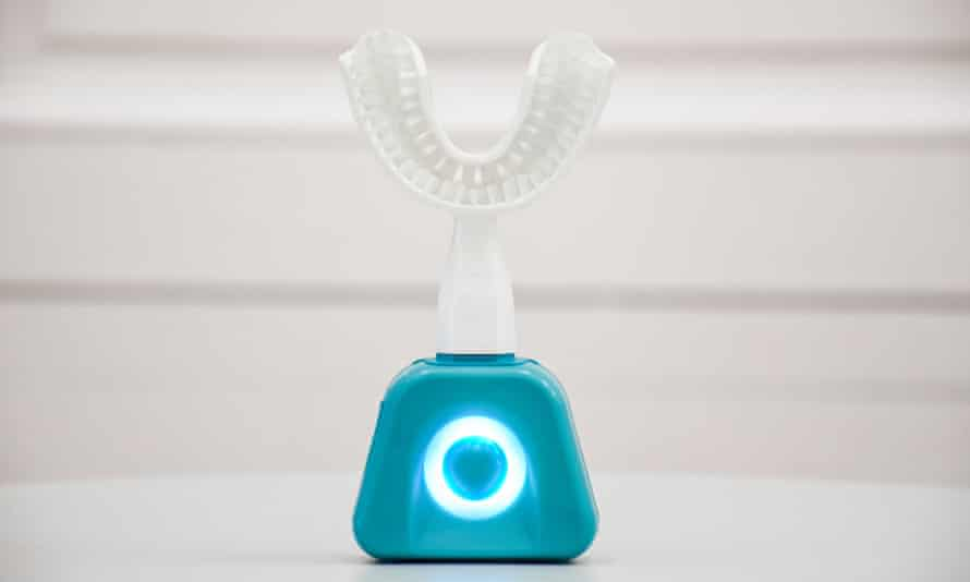 FasTeesH Y-Brush promises to clean your teeth in just 10-seconds.