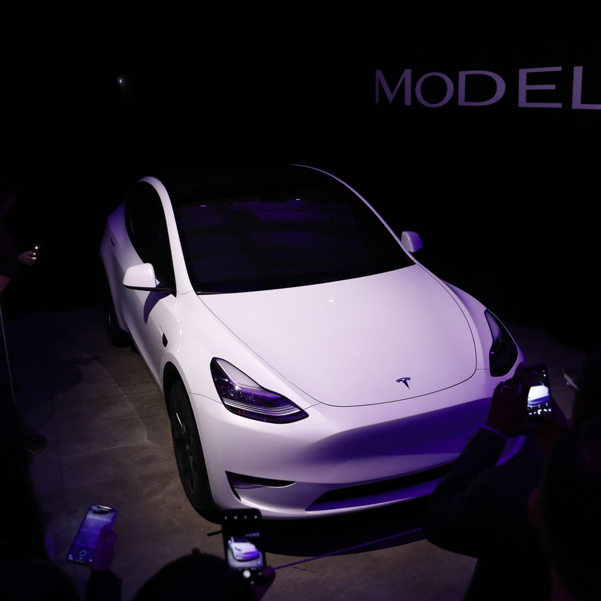 Model Y Tesla Unveils New Electric Crossover Suv Tesla The Guardian
