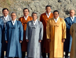 <strong>South Korea 2005:</strong> Japan's Prime Minister Junichiro Koizumi (centre) and Indonesia's President Susilo Bambang Yudhoyono (centre right) wearing hanboks.
