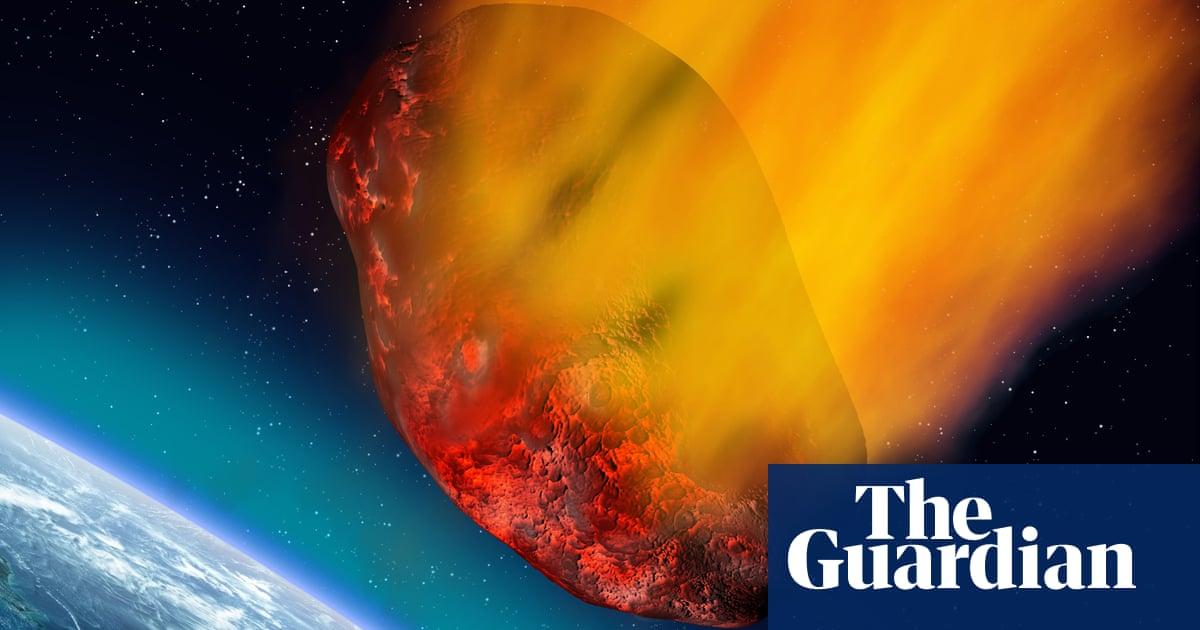 Hundreds capture spectacular fireball pass uncomfortably close to Earth
