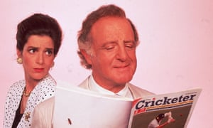 David Swift as the GlobeLink News presenter Henry Davenport, with Victoria Wicks as Sally Smedley, in Drop the Dead Donkey, which ran for six series between 1990 and 1998