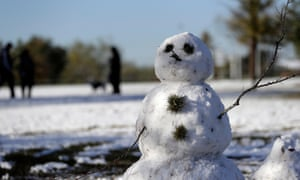 San Antonio, TXA snowman begins to melt in a snow covered park. The National Weather Service said up to 2.5 inches of snow had been measured in the San Antonio area. The most recent comparable snowfall was in January 1987, when 1.3 inches of snow accumulated, but the most recent major snowfall was 13.2 inches in January 1985.