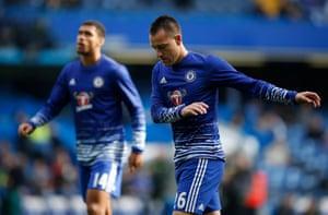 Chelsea substitutes John Terry and Ruben Loftus-Cheek warm up.