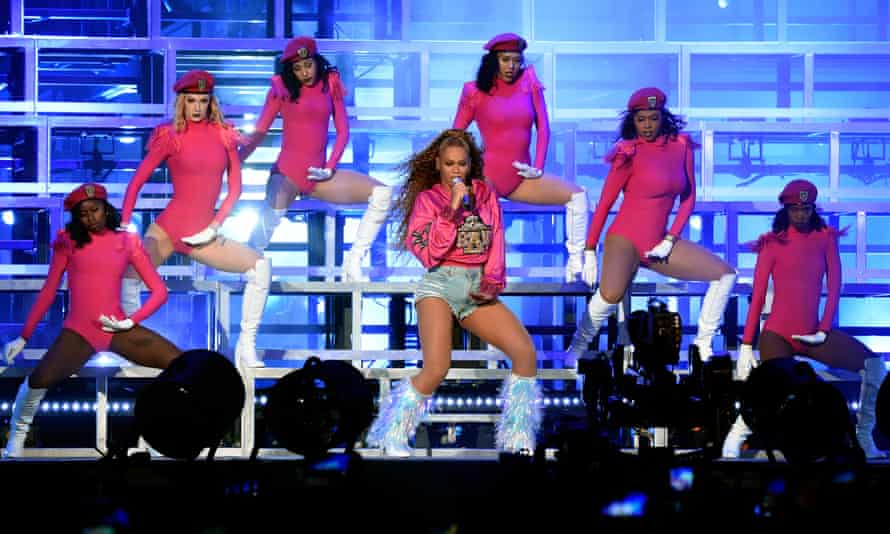 Beyoncé performs in 2018