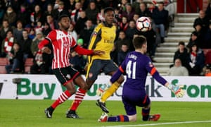 Danny Welbeck scores for Arsenal v Southampton
