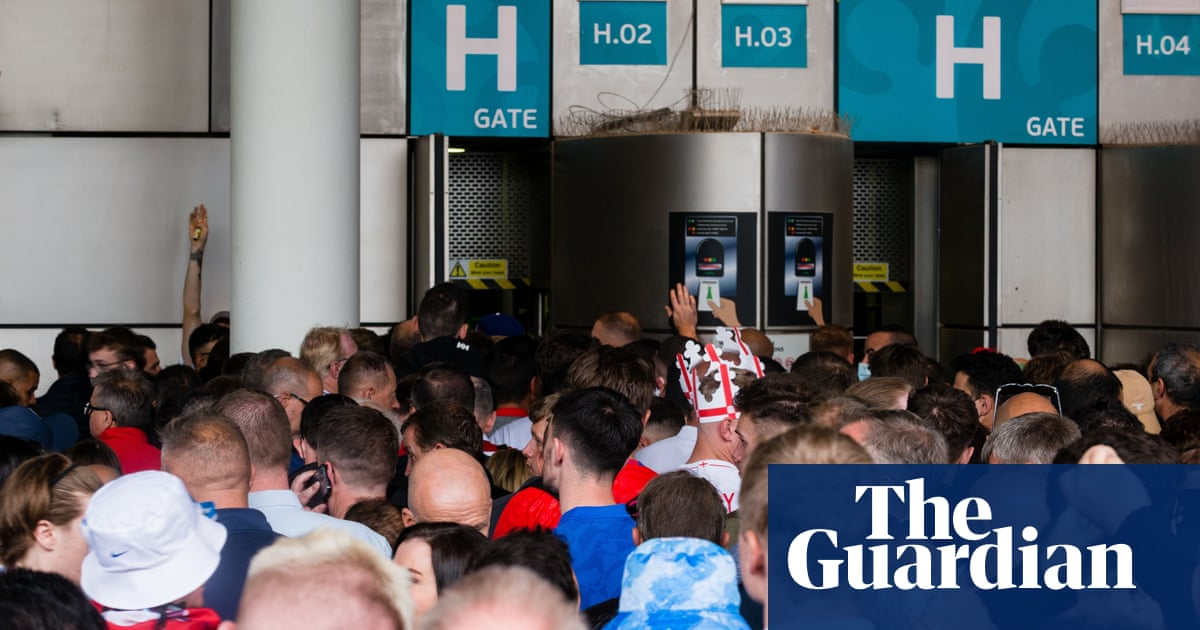 Share your experiences of fans without tickets at the Euro 2020 final at Wembley