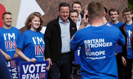 David Cameron with Remain supporters