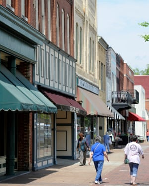 Restaurants dot the streets of downtown Florence, Alabama.