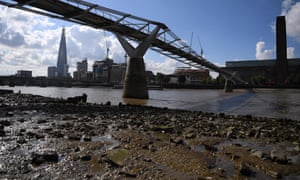 Mudlarking di London