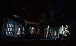 Nicholas Mogg (Aeneas), Sky Ingram (Dido), Susanna Fairbairn (Belinda) with ensemble in ETO's Dido and Aeneas.