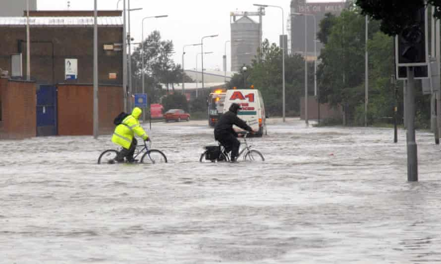 Cleveland Street in Hull as the flood waters rise in June 2007.