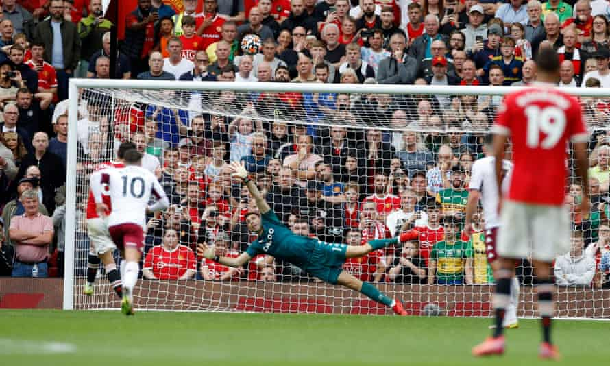 Manchester United's Bruno Fernandes sends his added-time penalty over the bar