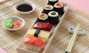 On your marks .... bake! Sushi-shaped vegan mini-cakes.