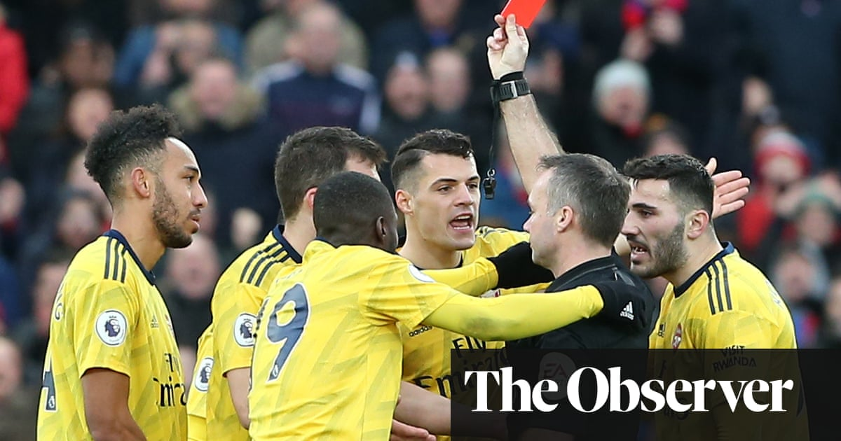 Aubameyang scores and sees red as Arsenal draw at Crystal Palace
