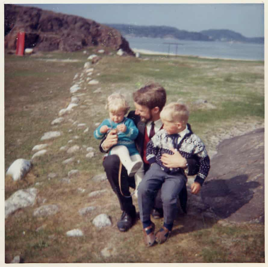Karl Ove Knausgaard as a child with his father and brother.