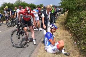 Andre Greipel and Steve Morabito suffered in the early crash. The crash led to the withdrawal of Morabito with a broken collarbone